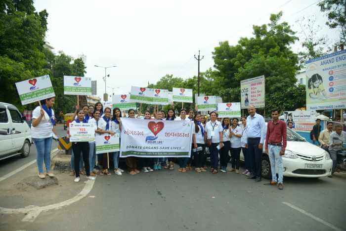 NSS student of S.M Patel College of home science at Town Hall Traffic Circle, Anand.