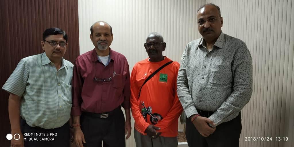 Rebirth foundations volunteer Mr. Pramod Mahajan meeting with Dean Dr. Jayesh Brahmbhatt and Faculty at Surat New Civil Hospital