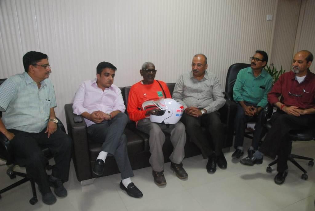 Rebirth foundations volunteer Mr. Pramod Mahajan meeting with MLA Harsh Sanghavi and Surat New Civil Hospital Dean Dr. Jayesh Bhrahmbhatt.