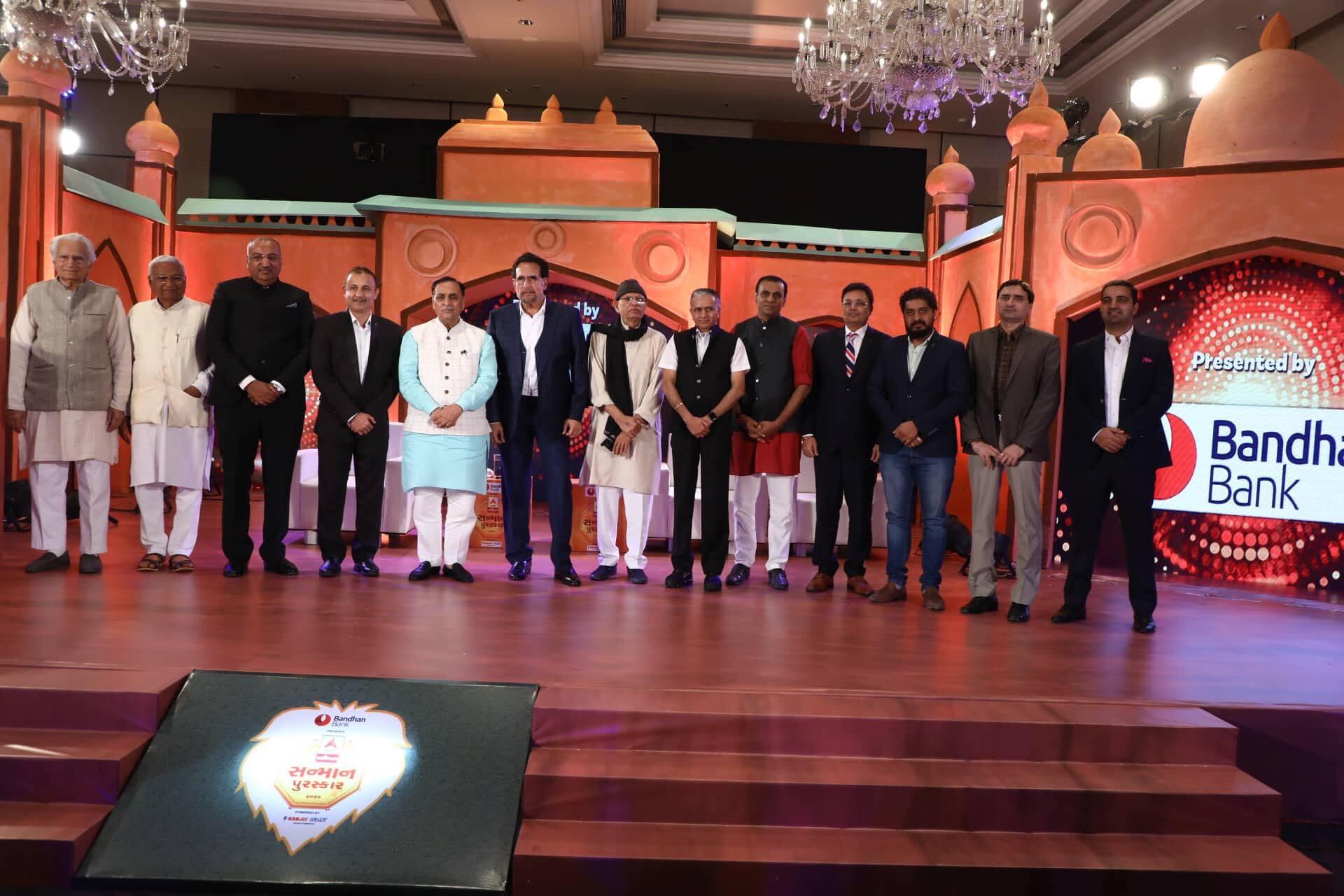 Donate Life Founder and President Nilesh Mandlewala was felicitated by ABP Asmita with Ashmita Sanman Purashkar 2020 by hands of CM Vijaybhai Rupani.